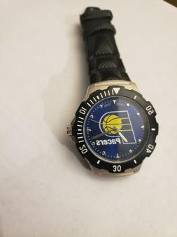 Indiana Pacers NBA WATCH+Battery included+2 Extra Batteries!